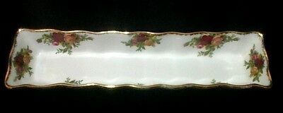 """ROYAL ALBERT  """"Old Country Roses""""  Mint Tray  21cm or 8.25 inches Long.  Ex Cond"""