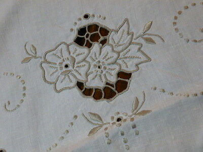 """Vintage Shabby Madeira Linen Table Runner Taupe Embroidered Cutwork Floral 40"""""""