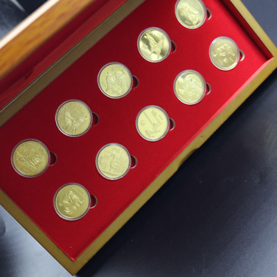 10pcs Beautiful 2018 Year of The Dog Chinese Zodiac Gold Coin Size 30mm