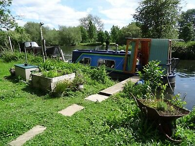 Residential mooring..Reading...small houseboat.