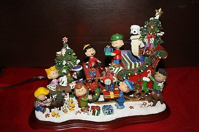 Danbury Mint The Peanuts Christmas Sleigh  Light-up Sculpture