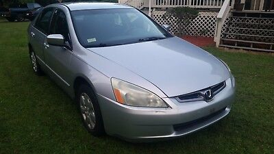 2004 Honda Accord LX Sedan 4-Door 2004 HONDA ACCORD  - GREAT CONDITION - NO RESERVE!!