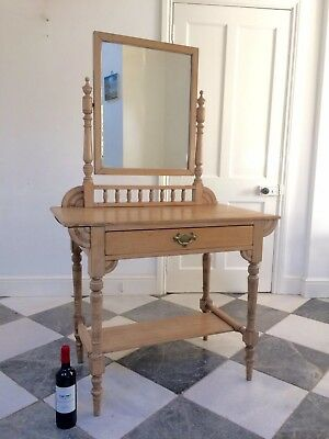 Attractive Victorian Pine Dressing Table