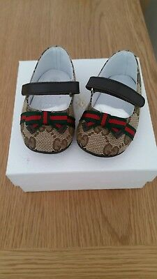 Gucci baby girl beige pre walkers shoes