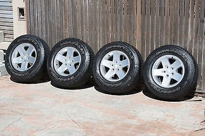 4 x JEEP Jk Wrangler Sport 17x7.5 inch ALLOY WHEELS and tyres