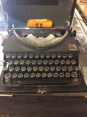 Vintage 1930s  Imperial Typewriter The Good Companion With Original Case