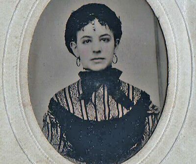 TINTYPE - Photo (c.1860s) - Beautiful Girl in Black Lace - Potters Patent signed