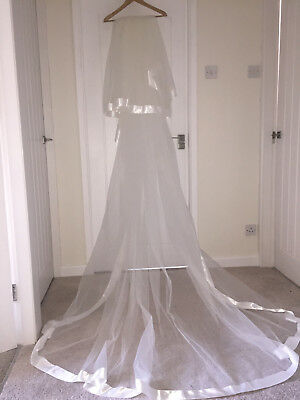 Ivory Two Tier Veil With Comb Vgc