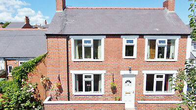 South Facing, 3 Bedroom Link Detached House in North Wales - Chester 15 miles