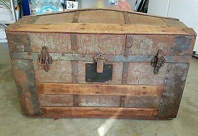ANTIQUE CAMELBACK DIAMOND SHAPE EMBOSSED TRUNK 1870s-90s STEAM TRUNK