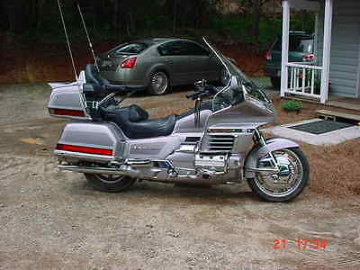 1999 Honda Gold Wing  1999 Gold Wing Gl1500 SE Motercycle