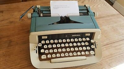 Vintage Imperial Safari Typewriter ,  Great Retro Machine, Working Type Writer