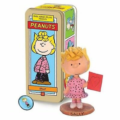 Sally Brown  Dark Horse Peanuts Deluxe Limited Edition Artist Proof Statue