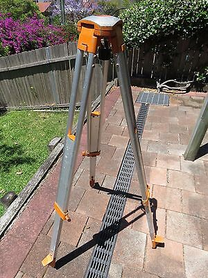 "Aluminium Survey Theodolite Adjustable Tripod, 5/8"" thread, 1m - 1.7m"