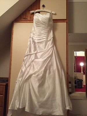 Alfred Angelo satin ruched size 20 ivory wedding dress