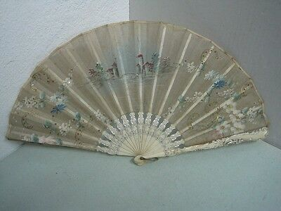 19 Th Century Fans In Painted Silk In Hand With Landscape