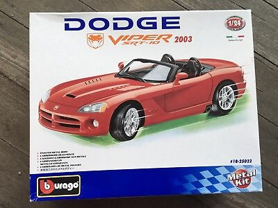 BNIB DODGE VIPER 2003 SRT-10 Metal Kit Model Car #18-25022