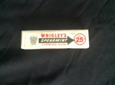 Vintage Wrigley's Spearmint Gum.~ Unopened Pack ~ 5 Sticks. ~ FREE SHIPPING.
