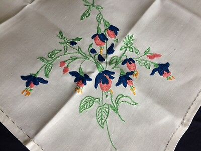 Lovely Vintage Floral Hand Embroidered Small Square Cream Irish Linen Tablecloth