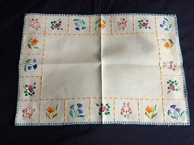Superb Vintage Cream Irish Linen Hand Embroidered Tray Cloth / Table Centrepiece