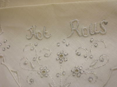 "2 Hot Rolls Linens Embroidered 14"" X 14"" Flower Design Table Linen Bread Basket"