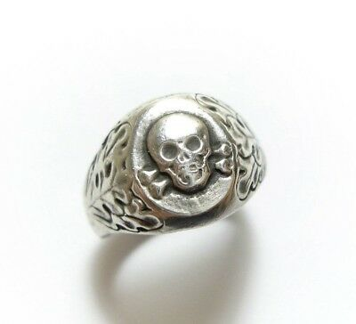 Stunning Old Vintage Or Antique Silver Skull Oak Leaf Gothic Ring Band  (A18)