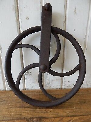 Antique Cast Iron Wishing Well Pulley ~ Old Vintage Farm Tool Rustic Barn Decor
