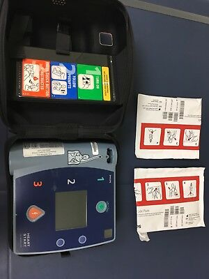 PHILIPS HEARTSTART FR2+ AED w/ Case And Pads