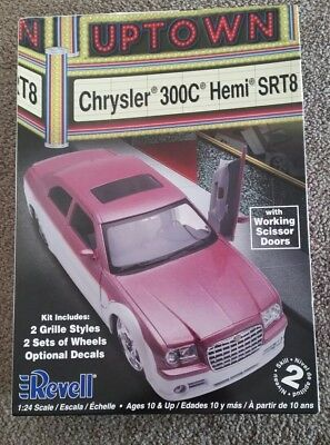 Revell model car Chrysler 300C Hemi SRT8