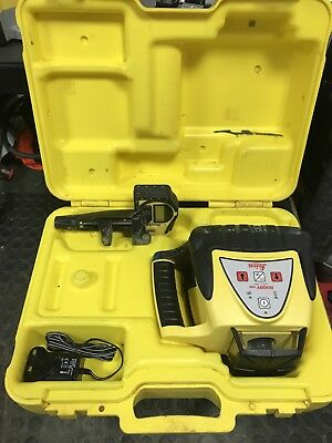LEICA Rugby 100 Rotating laser level with Rod Eye Basic