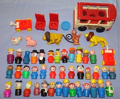 VINTAGE FISHER PRICE LITTLE PEOPLE FIGURES LOT~50 pieces