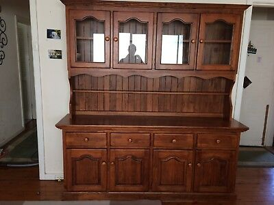 Buffet Hutch - Great Condition
