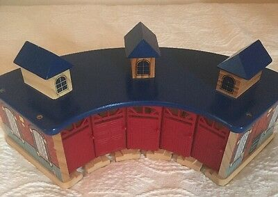 Imaginarium Wooden Train Roundhouse Thomas Brio 5 Red door Blue Top