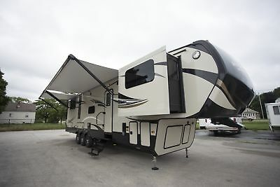 2018 Keystone Montana High Country 381TH Fifth Wheel Toy Hauler