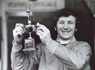Tommy Smith With The Player Of Year Trophy 1971 Photo