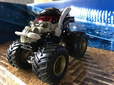 Monster Jam Toy - Pirates Curse Truck