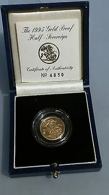 22ct gold 1995 proof half sovereign in royal mint box with certification 4830