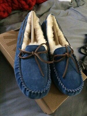 womens ugg moccasin slippers size 9 new