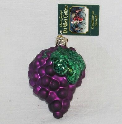 Old World Christmas Ornament: Purple Grapes