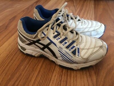 Boys Leather Asics Runners Shoes Size 4