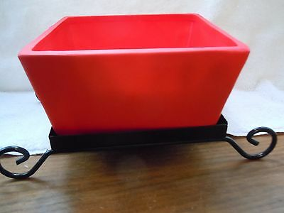 Red Ceramic Sleigh with Back Metal Base