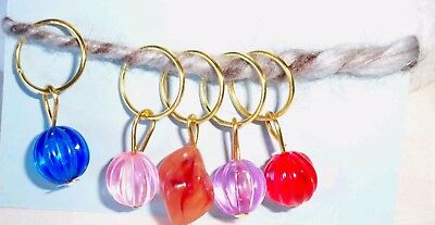 Stitch markers with coloured beads