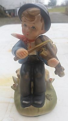 NAPCOWARE HUMMEL LIKE boy with violin
