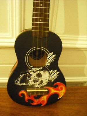 Chord Cu21 Ukulele Black With Skull And Fire Sticker Decoration.