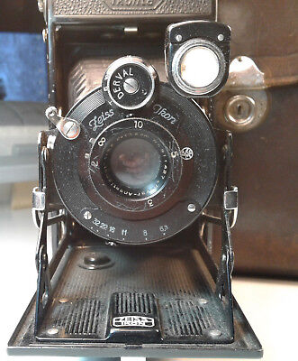 Zeiss Ikon Camera, Ikonta 520/2 Vintage with Case