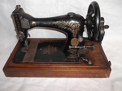 Victorian Antique 1886 Singer Sewing Machine Hand Cranked For Parts/Not Working
