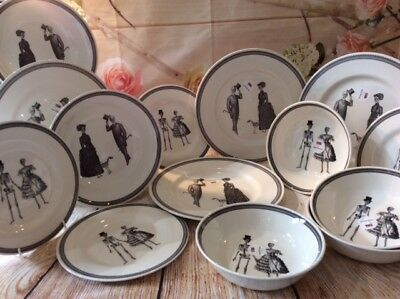 Royal Stafford - Skull Couple theme 4 - 14 piece Dinner Set - with serving bowls
