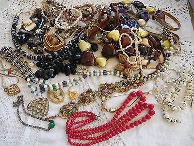 Lovely Mixed Job Lot of Vintage Jewellery for spares/repair