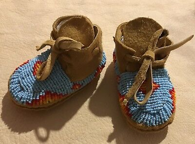 Totally Beautiful New Lakota Sioux Beaded Baby Moccasins