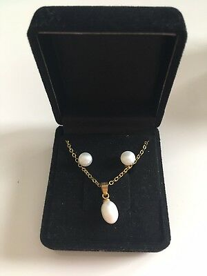 White Pearl Necklace And Earring Set